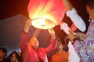 Pelepasan Lampion Secara Simbolis Oleh Bupati JWS