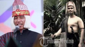 Jokowi terlihat menggunakan penutup kepala menggunakan wig warna blonde, lihat aslinya orang batak mengenakan penutup kepala