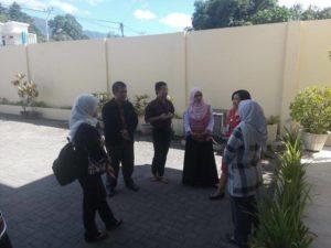 Tim dari Kementrian Kesehatan saat berada di Kabupaten Mitra