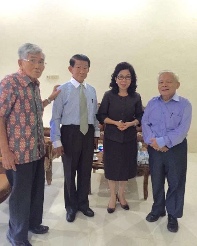 Prof. Wullur, Prof. Lombok, Prof. Paula, Prof. Sinolungan.