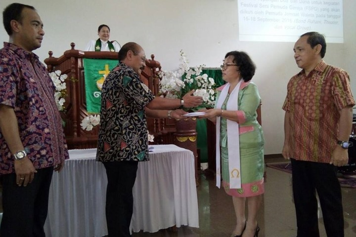Jedutun Voice Memberikan Sumbangan Kasih Untuk pembangunan Pastori GMIM Waleta Pineleng.