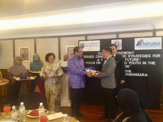 Piet Hein Pusung saat menerima penghargaan sebagai peserta terbaik INPUMA 2016 di Malaysia pada bulan Agustus tahun 2016