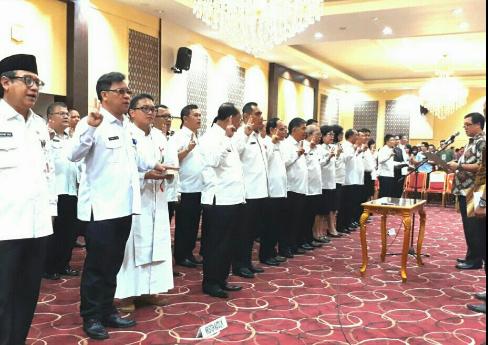 Wagub Sulut Steven Kandouw melantik sejumlah pejabat Pembantu Tugas ODSK.(foto:ist)
