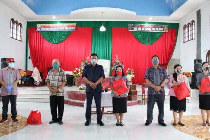 GPdI Kakas Kota Terima Bantuan dari Gubernur Olly dan Wagub Kandouw