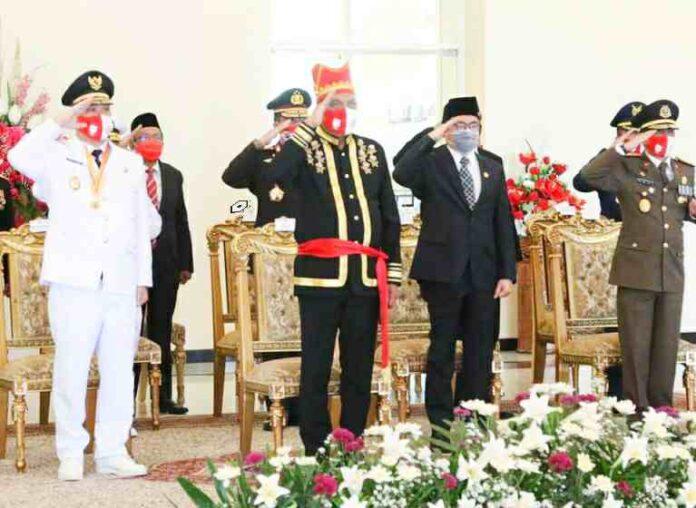 Gubernur OD dan Wagub SK Ikuti Upacara Detik-detik Proklamasi di Istana Merdeka Secara Virtual