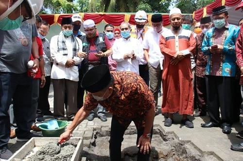 Gubernur Olly Letakan Batu Pertama Pembangunan Menara Masjid Ahmad Yani