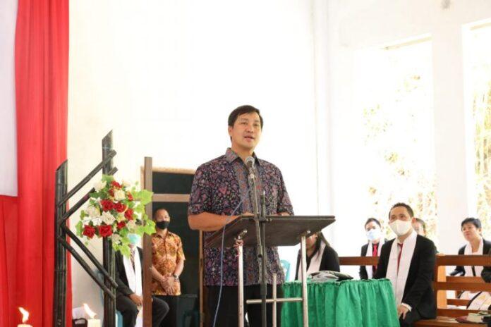 Wagub Kandouw Ajak Jemaat Jadikan Gereja sebagai Sumber Sukacita