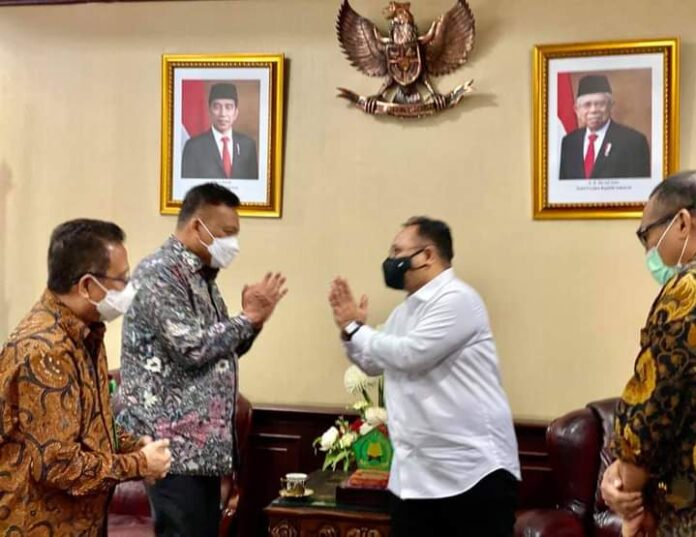 Gubernur Olly Bahas Harmonisasi Beragama bersama Menag Yaqut