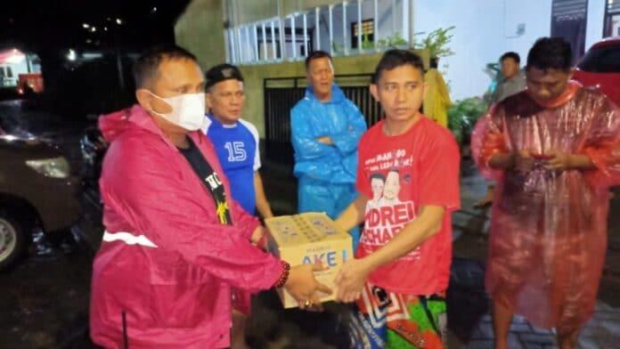 Satpol PP Pemprov Sulut Sentuh Warga Terdampak Banjir