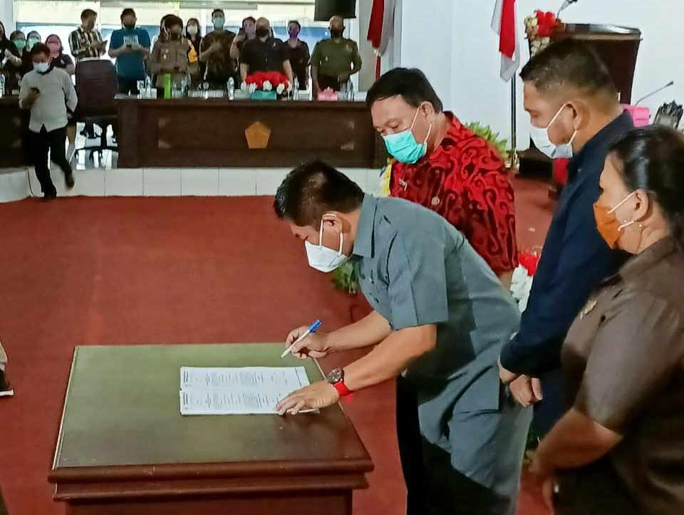 DPRD Minut Gelar Paripurna Pengumuman Hasil Penetapan Bupati dan Wabup Terpilih Dihadiri JG-KWL