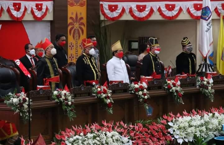Baju Adat Hiasi HUT ke-57 Provinsi Sulut