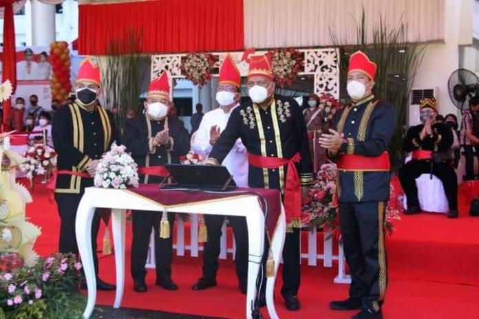 Gubernur Olly Launching Tiga Aplikasi Layanan Inovasi DKIPS di HUT ke-57 Provinsi Sulut