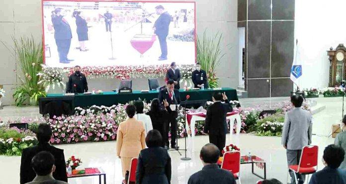 Mangala dan Roring Dilantik Gubernur Olly