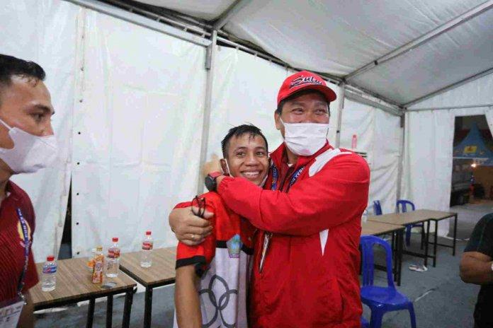 Juan Abast Lolos Final Usai Kalahkan Petinju Jabar